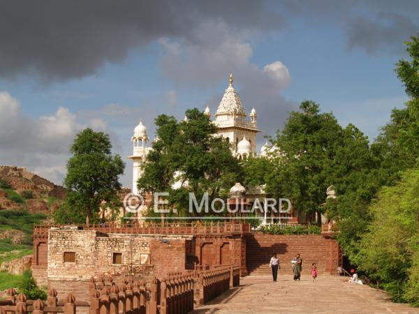 Le cénotaphe de marbre Jaswant Thada à Jaipur
