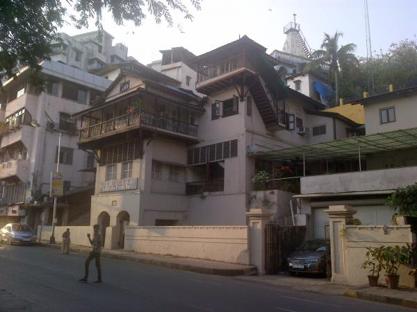 161 - A bungalow in South Mumbai