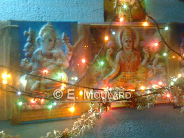 May 2011: Miscellanous about India - Puja altar