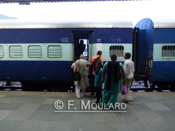 Indian trains disturbingly look like Nazi deportation trains...