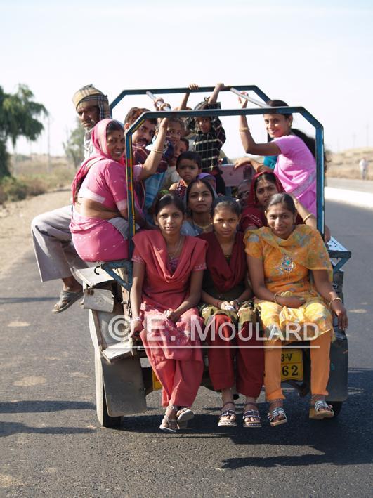 Y a combien de places dans un rickshaw?