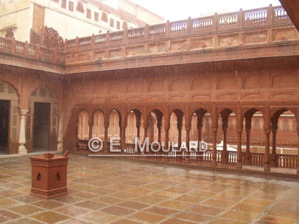 Le palais de Bikaner sous la pluie