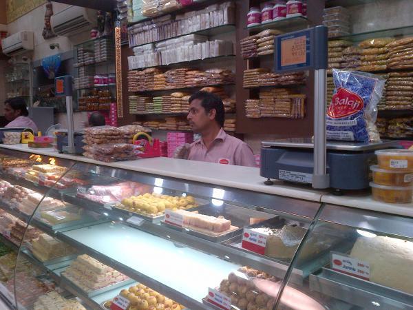 171 - A sweet shop