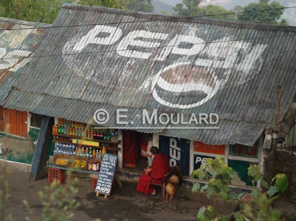 La pub Pepsi dans le royaume bouddhiste