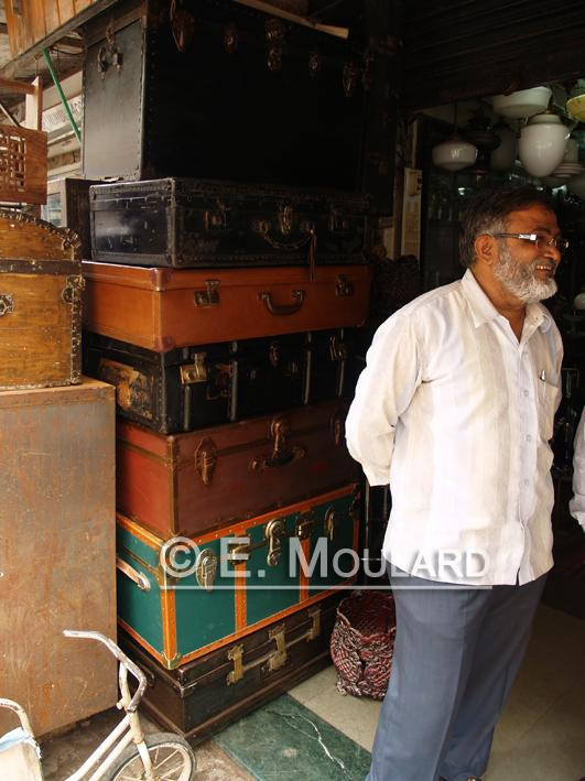 A Sunday in Chor Bazar 2