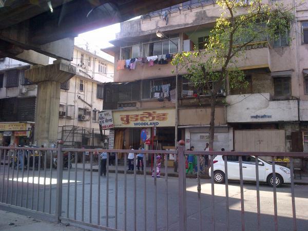170 - A random Mumbai street view